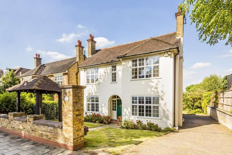 5 Bedrooms Detached House for sale in Chartfield Avenue, London, SW15