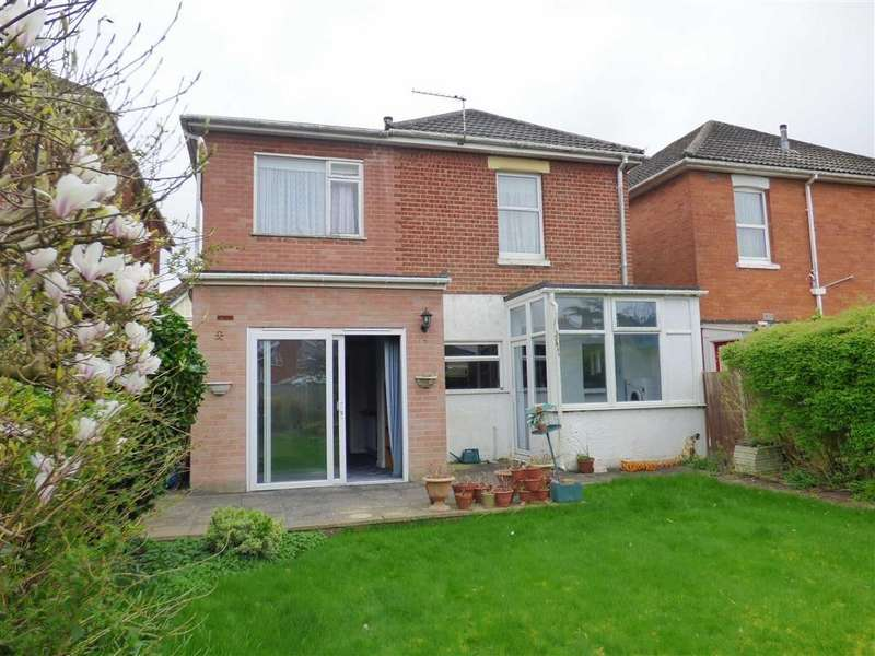 4 Bedrooms Detached House for sale in Highfield Road, Bournemouth, Dorset