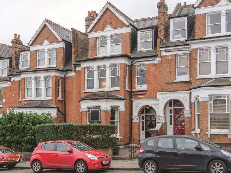2 Bedrooms Apartment Flat for sale in Alexandra Park Road, N10