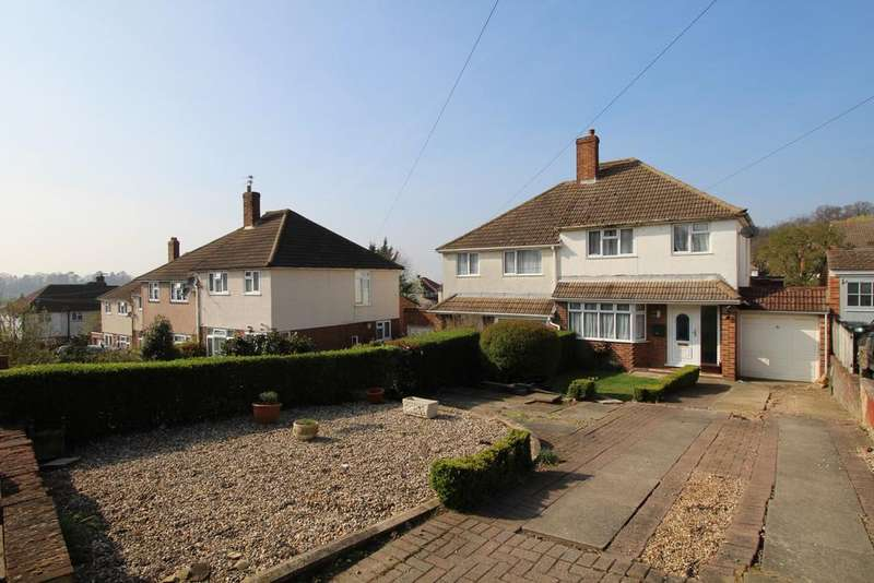 3 Bedrooms Semi Detached House for sale in Coombfield Drive Dartford DA2