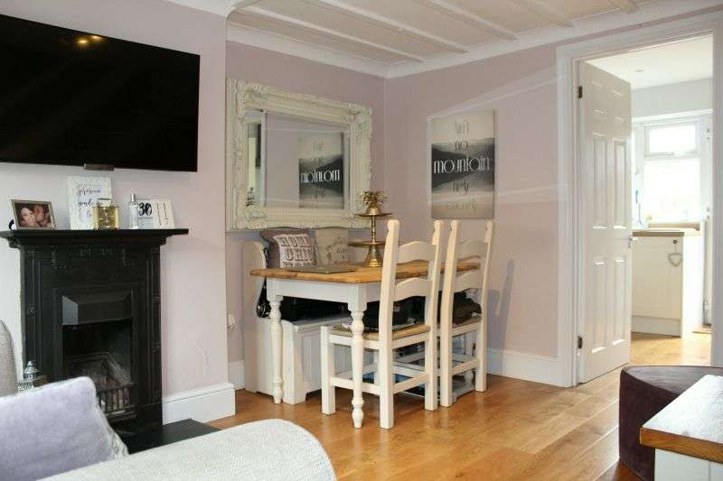 1 Bedroom End Of Terrace House for sale in Park Road, Rickmansworth, Hertfordshire, WD3