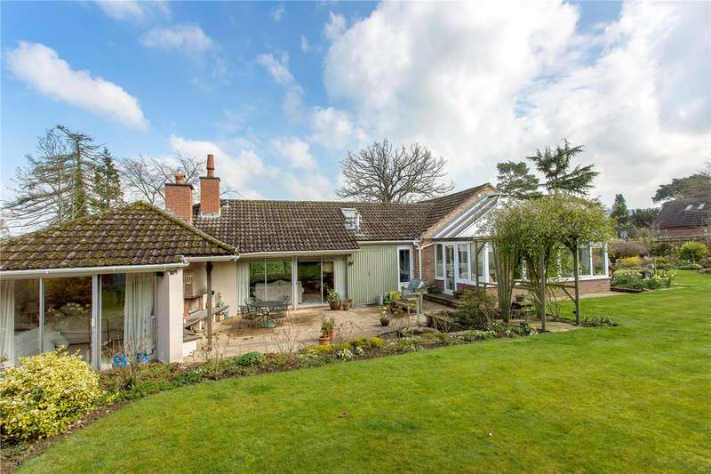 4 Bedrooms Detached Bungalow for sale in Harp Hill, Charlton Kings, Cheltenham, Gloucestershire, GL52