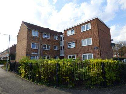 1 Bedroom Flat for sale in Boundary Road, Barking