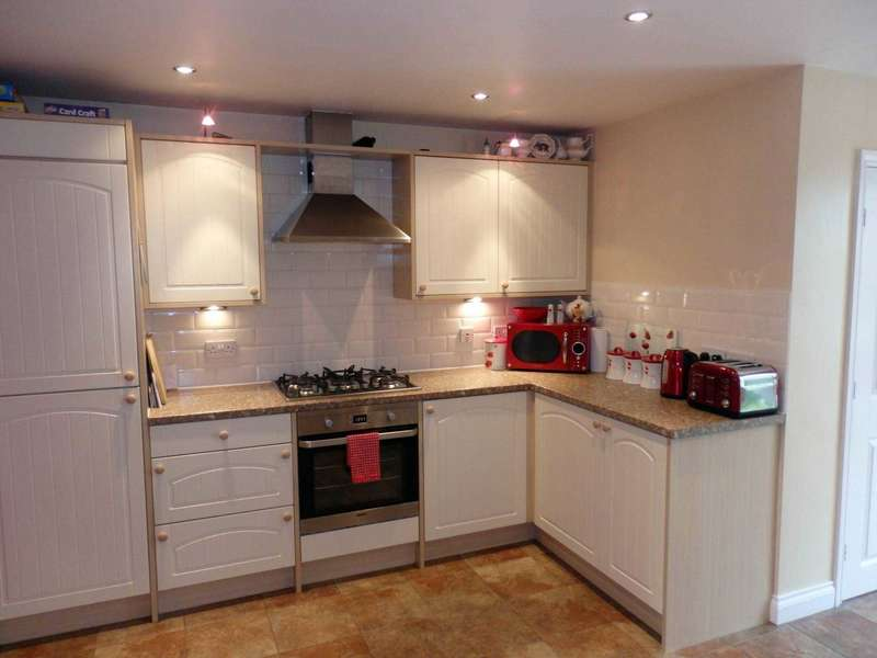 3 Bedrooms Town House for sale in Hallbridge Gardens, Bolton