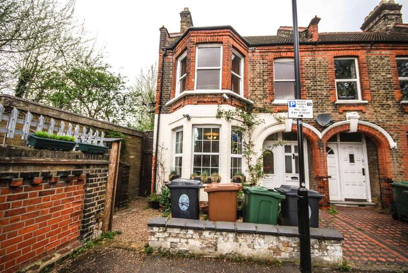 2 Bedrooms Flat for sale in Theydon Street, London