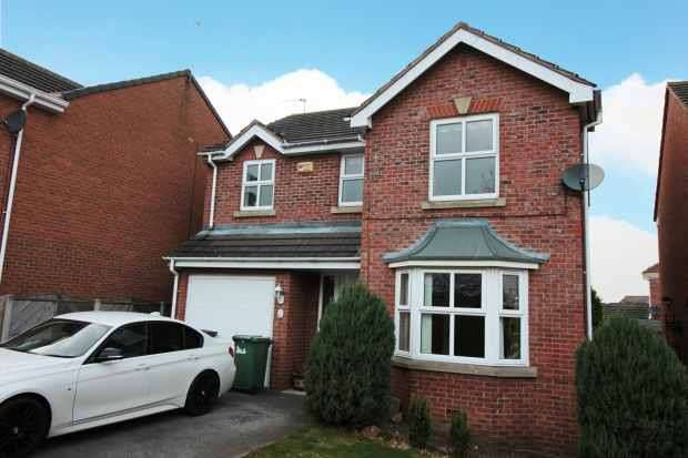 4 Bedrooms Detached House for sale in Highgrove Court, Normanton, West Yorkshire, WF6 2TY