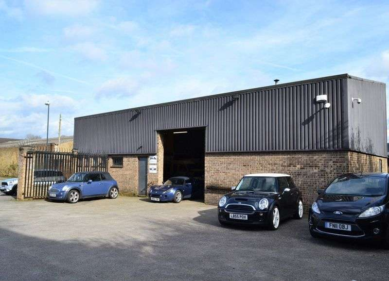 Property for sale in Superb leasehold garage
