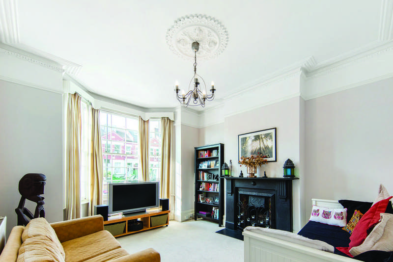 5 Bedrooms Terraced House for sale in Gleneagle Road, SW16