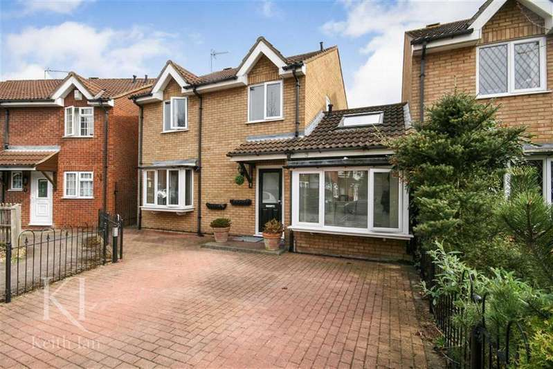 4 Bedrooms Detached House for sale in Felton Close, Broxbourne