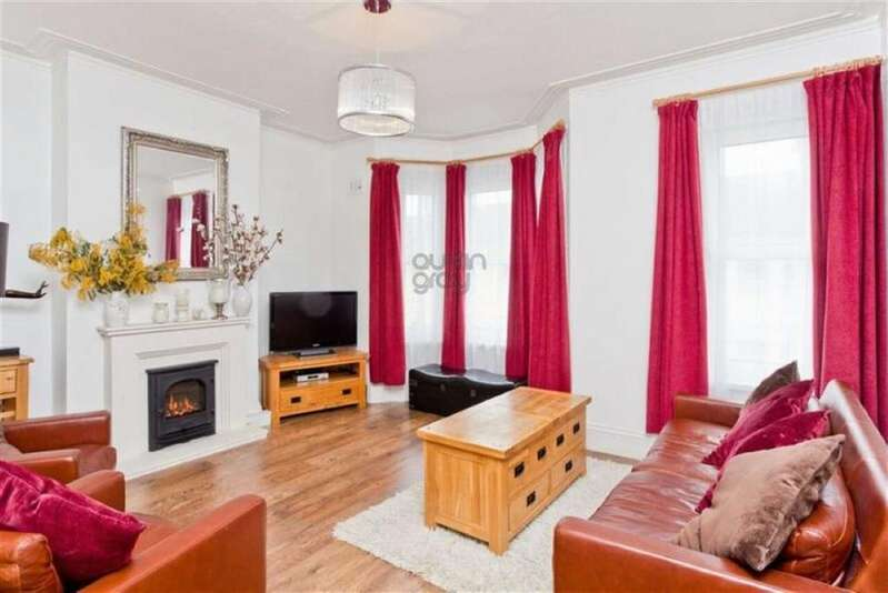 3 Bedrooms Flat for sale in Stafford Road, Brighton