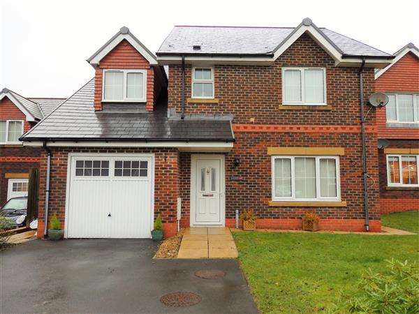 4 Bedrooms Detached House for sale in Heol Derwen, GORSLAS, Llanelli