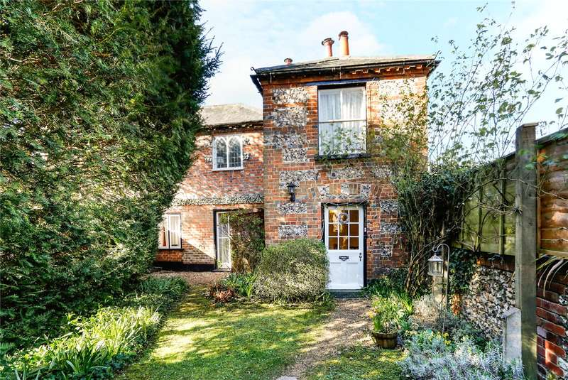 3 Bedrooms Semi Detached House for sale in Station Road, Bourne End, Buckinghamshire, SL8