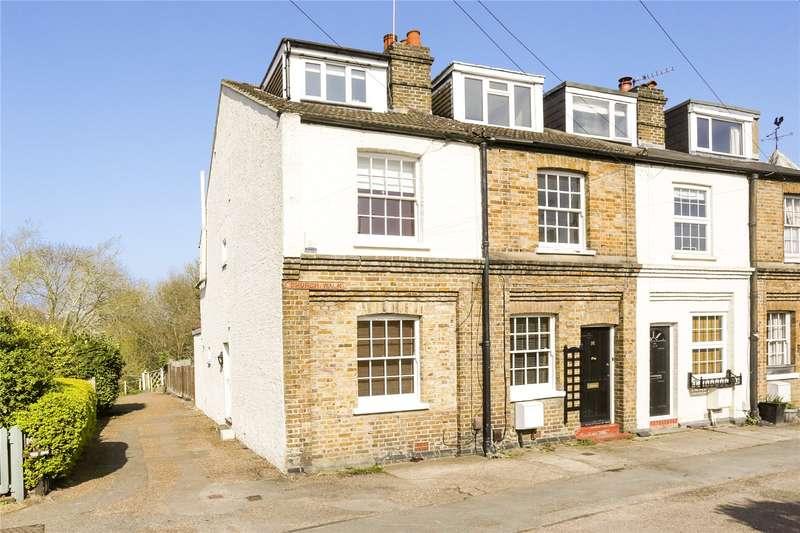 3 Bedrooms House for sale in Camden Cottages, Church Walk, Weybridge, Surrey, KT13