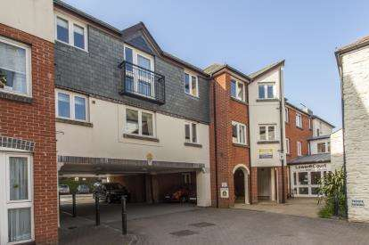1 Bedroom Flat for sale in Quay Street, Truro, Cornwall