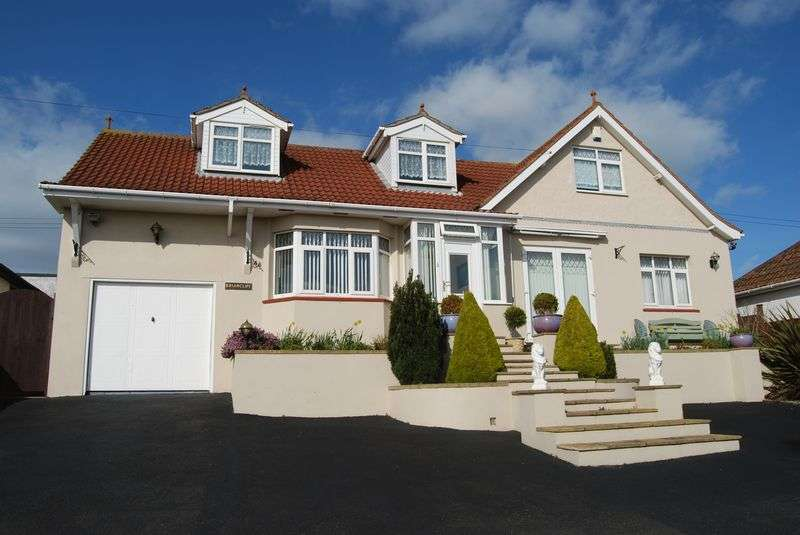 3 Bedrooms Detached Bungalow for sale in Teignmouth Road, Teignmouth