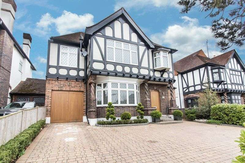 5 Bedrooms Detached House for sale in Malvern Drive, Woodford Green
