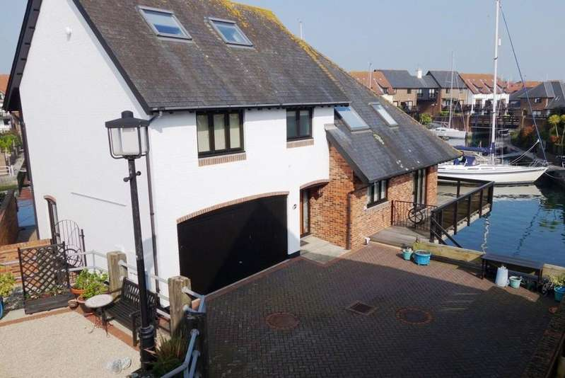 5 Bedrooms Detached House for sale in Endeavour Way, Hythe Marina Village, Hythe