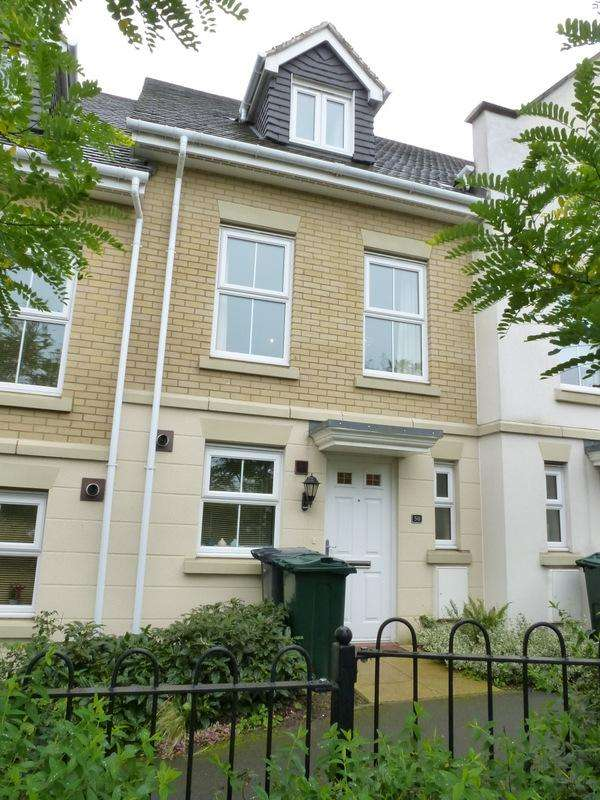 3 Bedrooms Terraced House for sale in Cochrane Drive, Dartford DA1