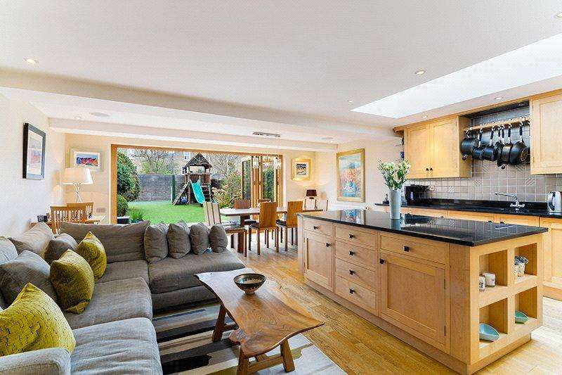5 Bedrooms Terraced House for sale in Geraldine Road, Wandsworth, London, SW18