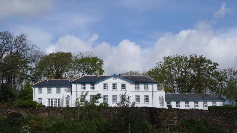 5 Bedrooms Detached House for sale in Penrhyndeudraeth, North Wales