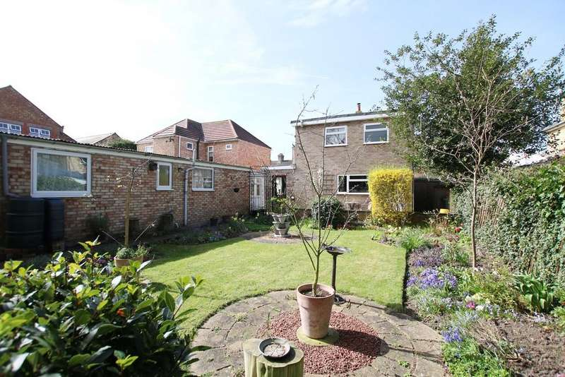 3 Bedrooms Detached House for sale in Robingoodfellows Lane, March