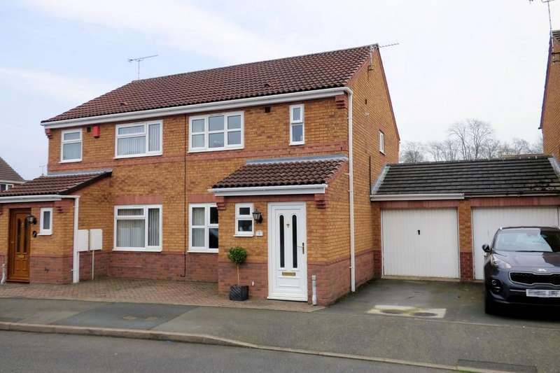 3 Bedrooms Semi Detached House for sale in Langer Close, Branston