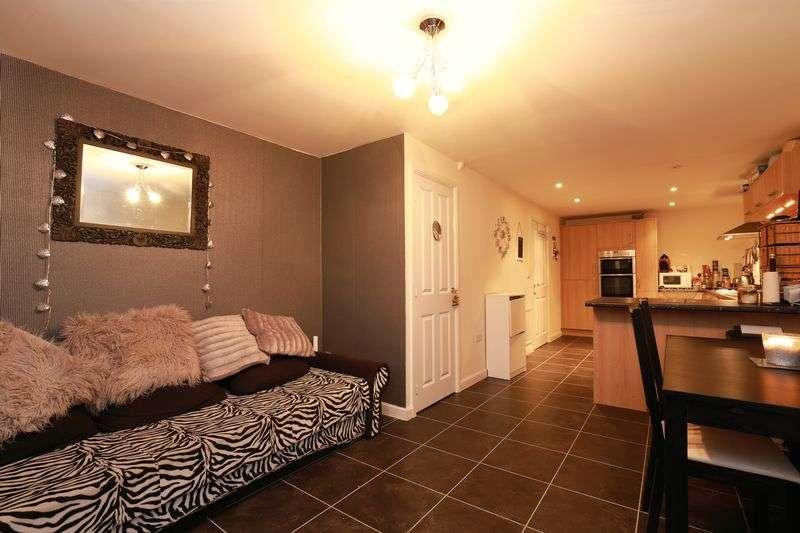 3 Bedrooms Terraced House for sale in Cosens Way, Bognor Regis
