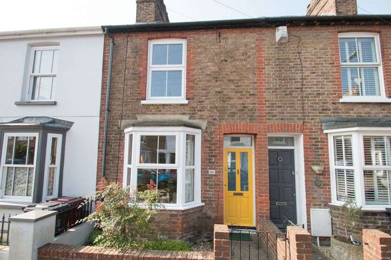 3 Bedrooms Terraced House for sale in Whyke Lane, Chichester
