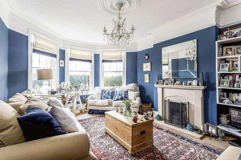 2 Bedrooms Flat for sale in Nightingale Lane, N8