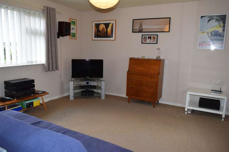 1 Bedroom Apartment Flat for sale in Newlands Gardens, Workington
