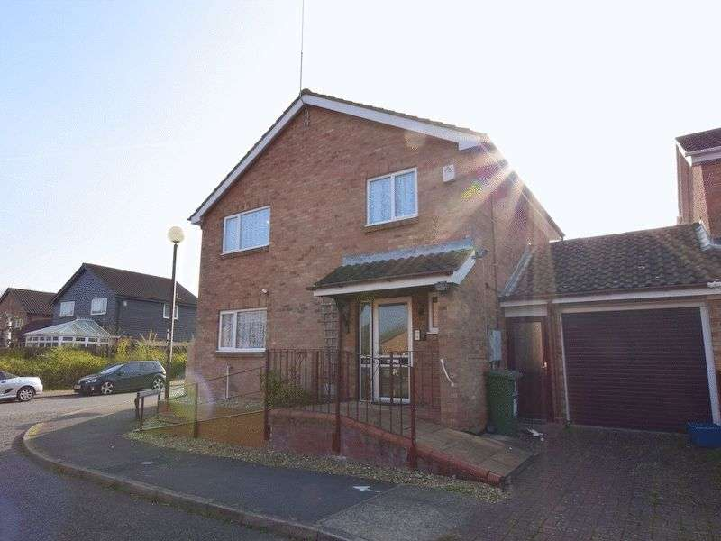 4 Bedrooms Detached House for sale in Constable Close, Neath Hill, Milton Keynes