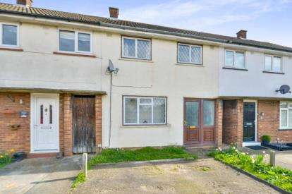 2 Bedrooms Terraced House for sale in Thames Close, Bletchley, Milton Keynes