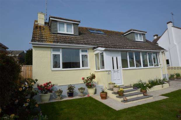 4 Bedrooms Detached Bungalow for sale in Park Avenue, Brixham, Devon