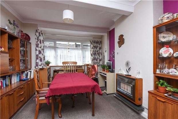3 Bedrooms Terraced House for sale in Woodmansterne Road, SW16