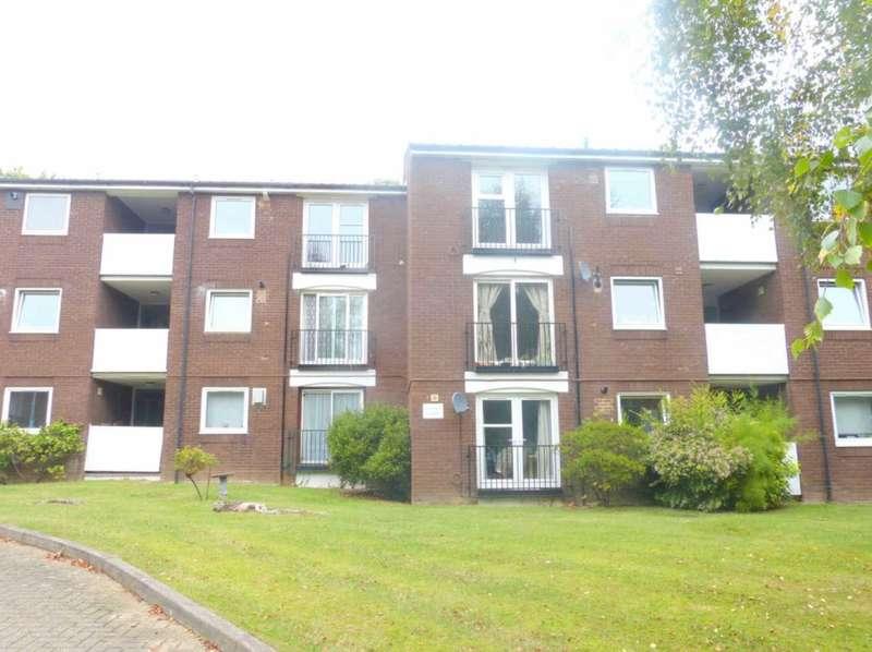 2 Bedrooms Flat for sale in Scrubbitts Square, Radlett