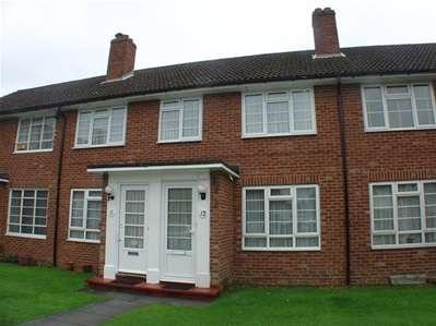 2 Bedrooms Maisonette Flat for sale in Broadlawns Court, Harrow Weald