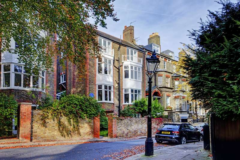 7 Bedrooms Detached House for sale in Cannon Place, Hampstead Village
