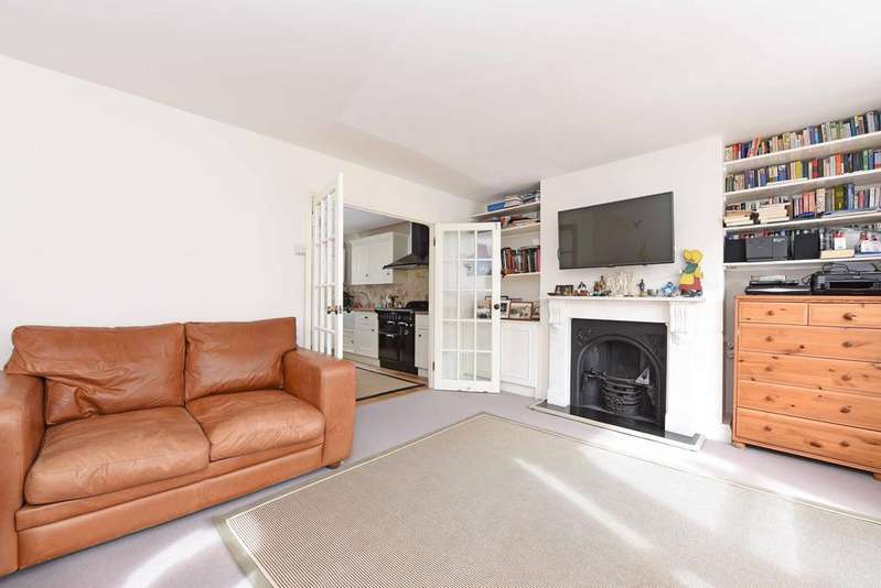 3 Bedrooms Flat for sale in Mallinson Road, SW11