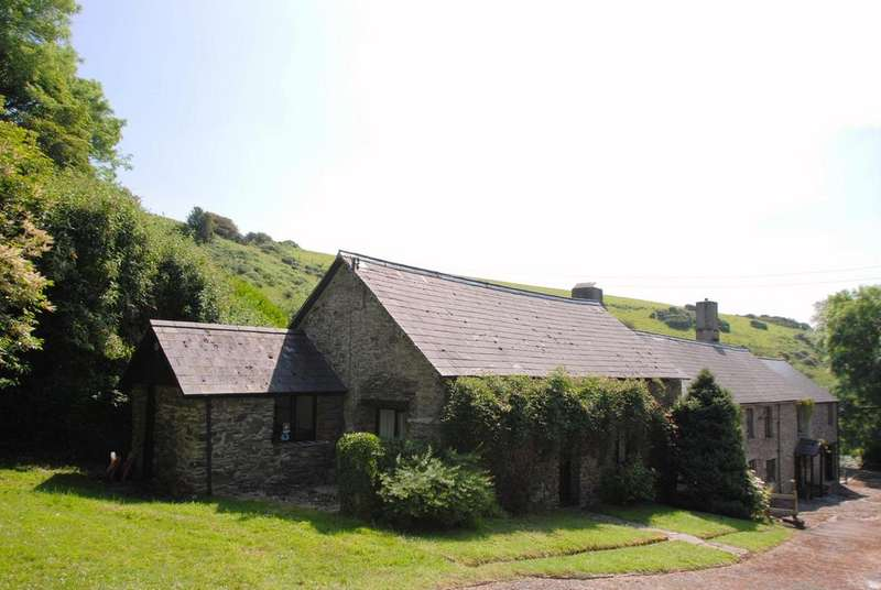 5 Bedrooms Detached House for sale in Trentishoe, Parracombe