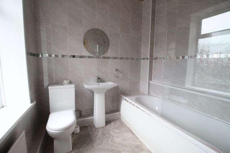 5 Bedrooms Terraced House for sale in Frobisher Street, Hebburn