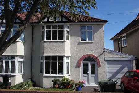 3 Bedrooms Property for rent in Cransley Crescent, Henleaze, Bristol BS9 4PH