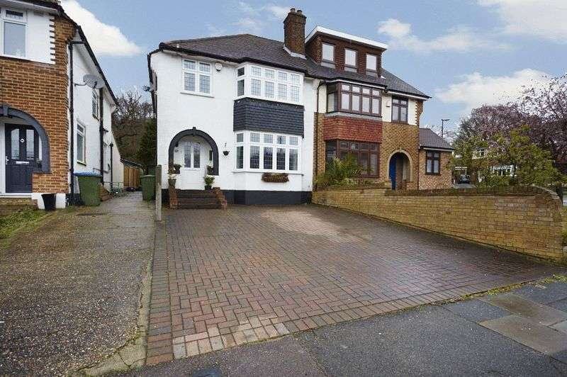 3 Bedrooms Semi Detached House for sale in Crookston Road, Eltham SE9