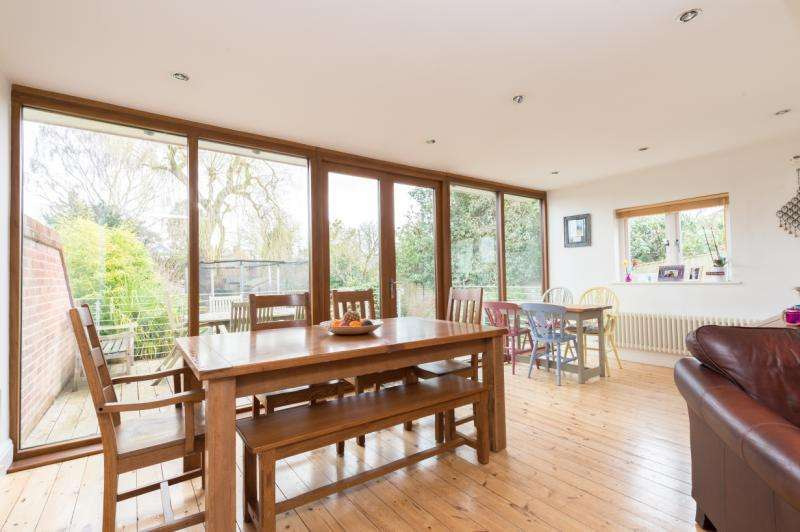 3 Bedrooms Semi Detached House for sale in Carey Close, Oxford, Oxfordshire