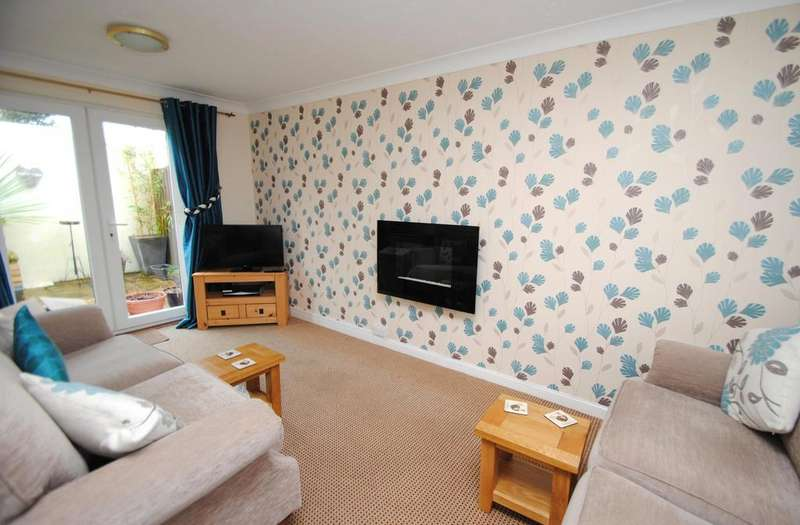 2 Bedrooms Terraced House for sale in Town Park, Torrington