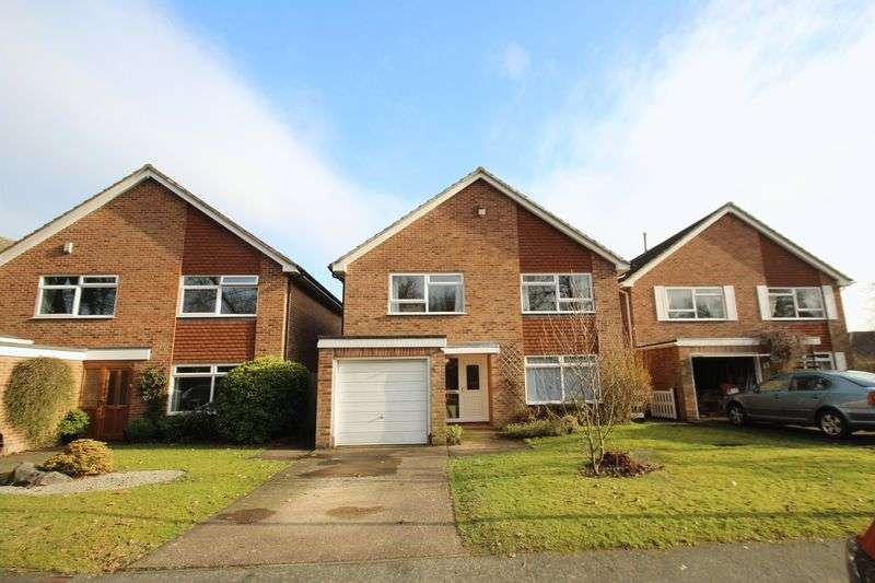 4 Bedrooms Detached House for sale in Rowan Shaw, Tonbridge