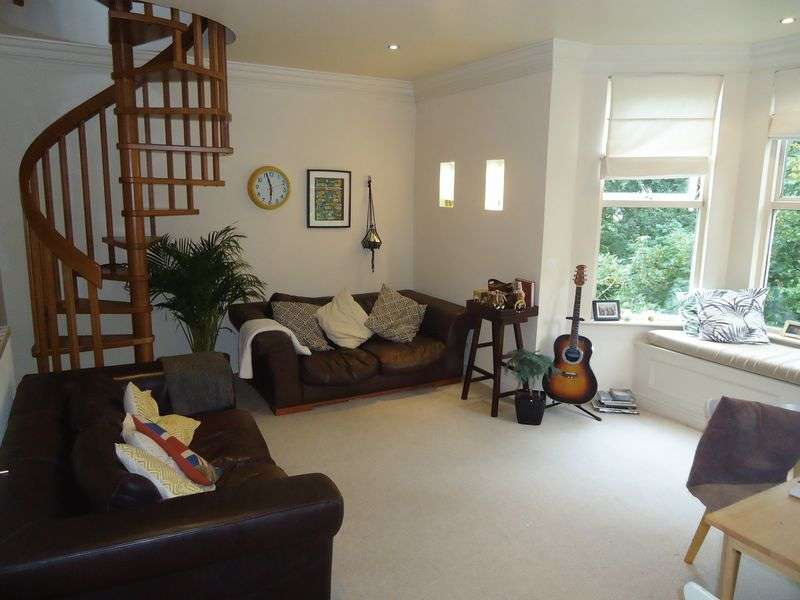 2 Bedrooms Flat for sale in North Road, Liverpool