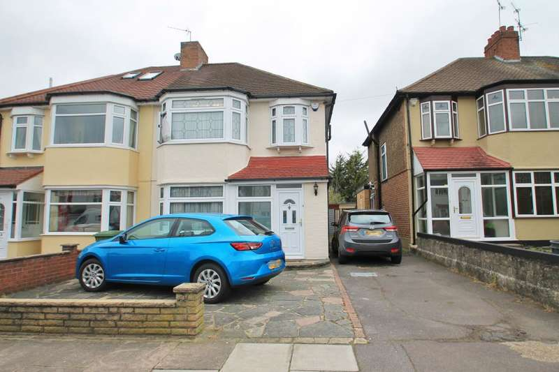 3 Bedrooms End Of Terrace House for sale in COUCHMORE AVENUE, CLAYHALL