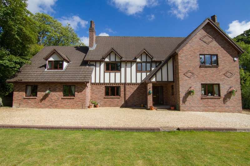 6 Bedrooms Detached House for sale in Ty Nant Road, Creigiau, Cardiff