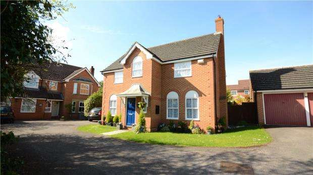 4 Bedrooms Detached House for sale in Jigs Lane South, Warfield, Berkshire