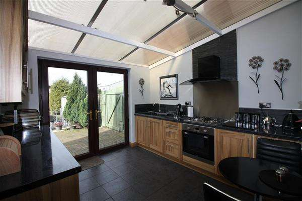 3 Bedrooms Terraced House for sale in Barnby Dun Road, Wheatley, Doncaster